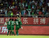 中超图:杭州绿城VS大连阿尔滨 主队庆祝进球