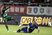 中超图:杭州绿城VS大连阿尔滨 阿甘射门得分