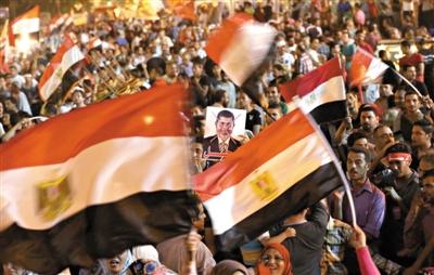 6月29日,埃及开罗解放广场的示威人群。
