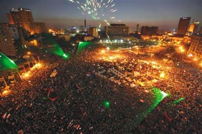 6月30日,埃及开罗解放广场,反对总统穆尔西的示威者举行集会。