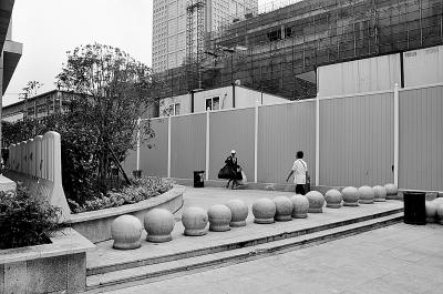 江汉路到南京路 没有轮椅走的路