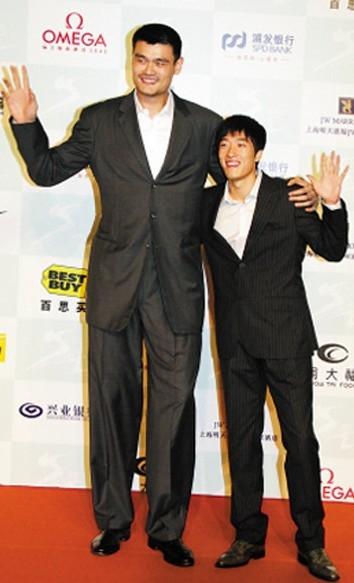 网友ps姚明郭敬明身高对比图 裤腰不至于能到-姚明郭敬明身高图片