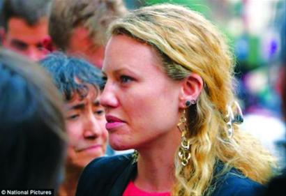 """莎拉・哈里森:斯诺登的避难""""保护神"""""""