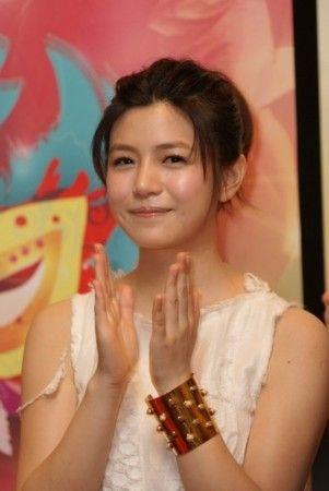 张雨绮pk大s_赵薇大S 大饼脸依然漂亮的女星-搜狐女人