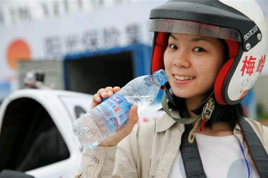 康师傅矿物质水用安全、健康、环保支持体育事业