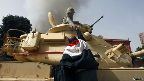 军队仍然处于埃及的政权之巅。