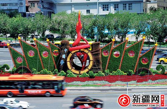 """花堆演绎""""中国梦""""(图)图片"""