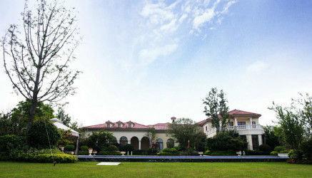 """6月26日,知名博主""""长春国贸""""通过微博曝光了韩雪3.5亿豪宅,透露称韩雪的豪宅,打算用作婚房。"""