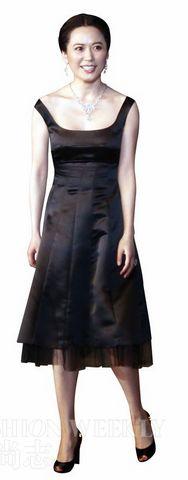 黑色丝绸礼服