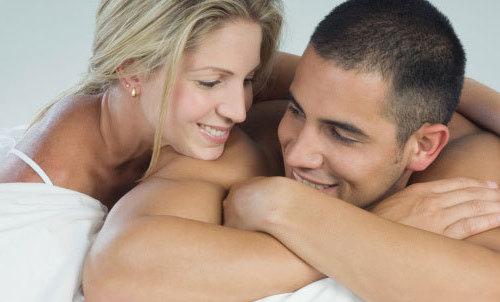两性养生:女人眼中床上男人最性感的地方【组图】(1)_心理健康_光明网