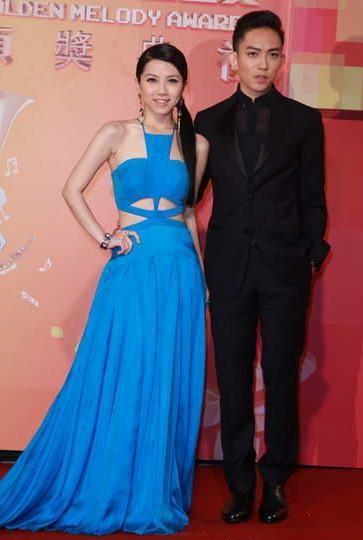 没看到双j周杰伦,蔡依林合体走红毯,但看到现正恋爱中的林宥嘉图片