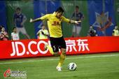 中超图:上海申鑫0-3广州恒大 张琳芃在比赛中