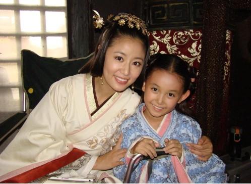 杨幂 林心如/蒋依依,中国儿童演员、童星。出演过数部电视剧并接拍过多部...