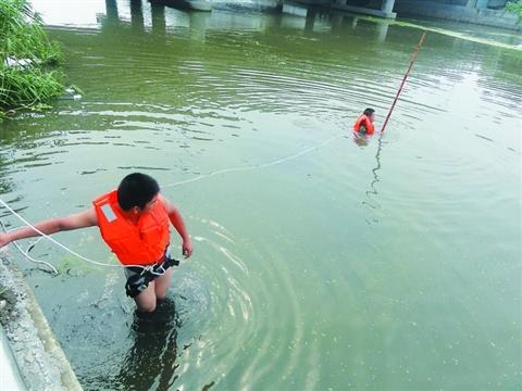 同一天下午两男童溺亡(组图)