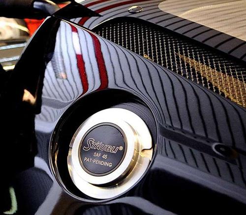 近日,舒马赫将自己珍藏多年的一辆编号为30的法拉利FXX正式挂牌出售。