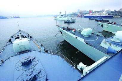 中国海军参演军舰离港驶向俄罗斯彼得大帝湾 /新华社