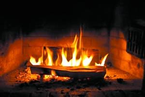 你会看柴火连续12小时从燃到灭的直播吗?