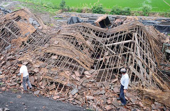 江苏高邮龙卷风袭击50多人受伤