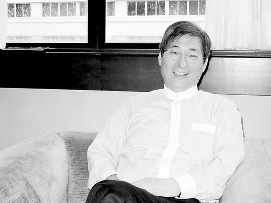 张安乐鲁豫有约_张安乐在一家酒店接受环球时报采访.