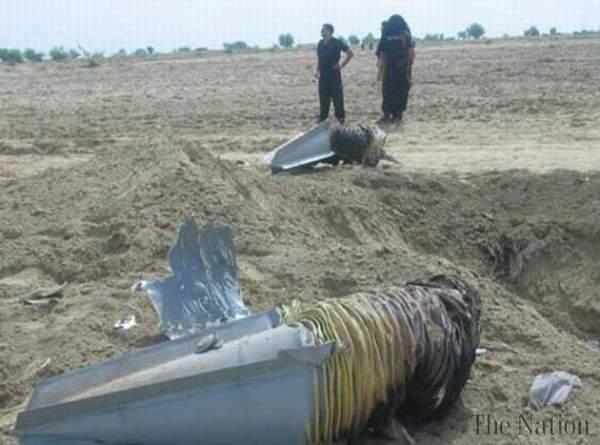 巴基斯坦空军歼-7战斗机坠毁现场。