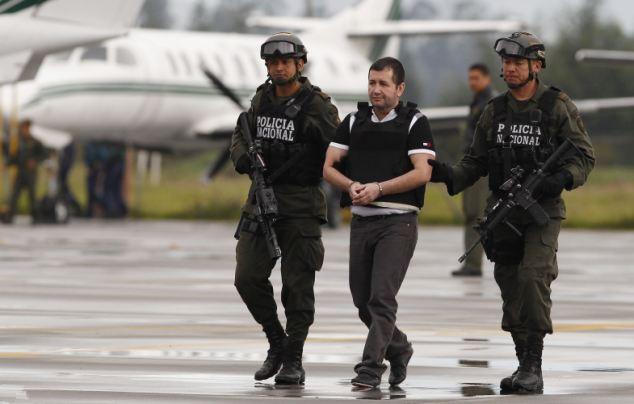哥伦比亚毒枭整容毁指纹掩盖身份(1)_社会万象_光明网