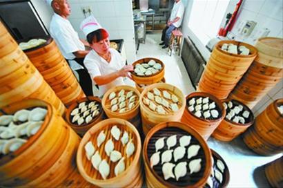 头伏吃饺子(图)