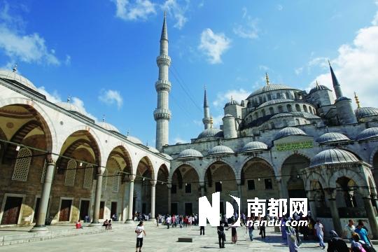 土耳其的蓝色清真寺.C FP供图