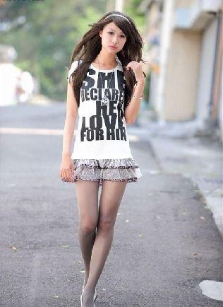 韩国丝袜写真叫什么网站_街拍各种形形色色的丝袜美女大学生(图)