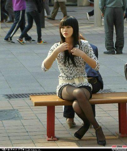 色色91_街拍各种形形色色的丝袜美女大学生(图)
