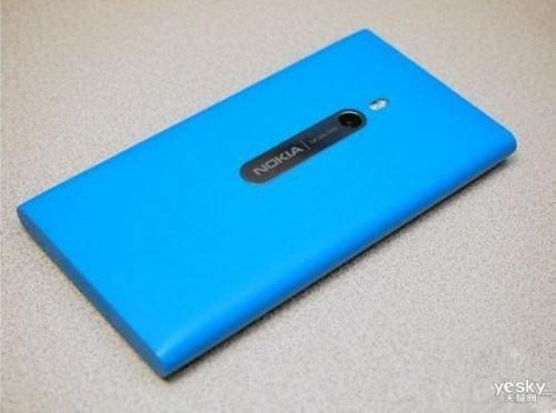 图为:诺基亚Lumia 800