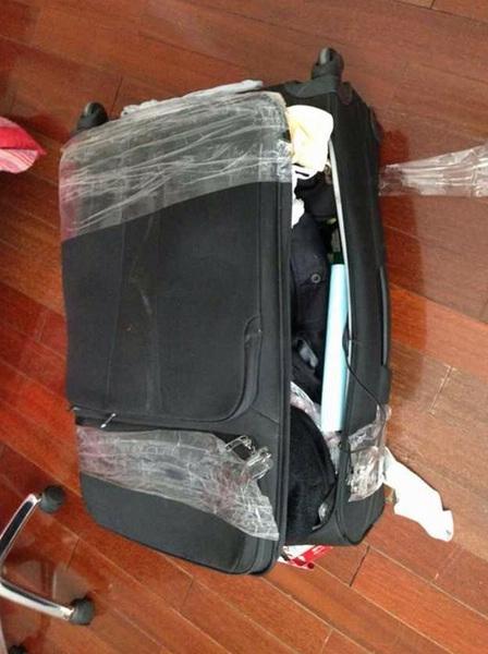 <b>南航航班丢失3万元行李赔300乘客戏称卖破烂</b>
