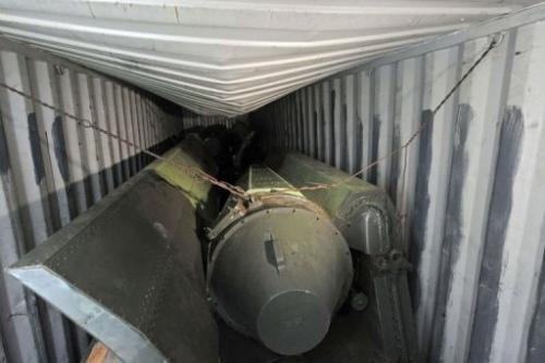朝方船只内的可疑物品,专家称或系导弹材料