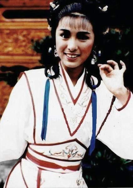 儿,妹妹雪梨(97《神雕侠侣》李莫愁)亦为演员.经典影视剧有《