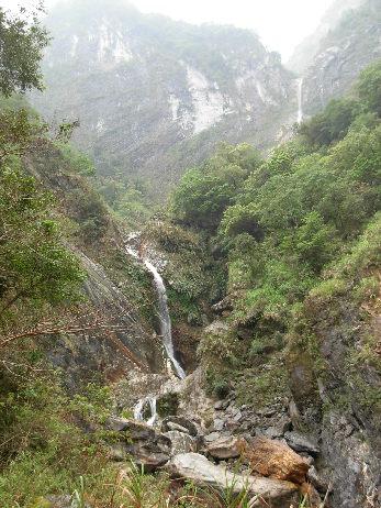 太鲁阁特别有名的两条小瀑布 陈逸