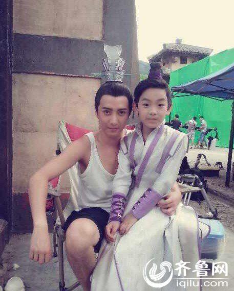由杨幂,李易峰,郑爽,马天宇等主演的电视剧版《古剑奇谭》目前正在图片