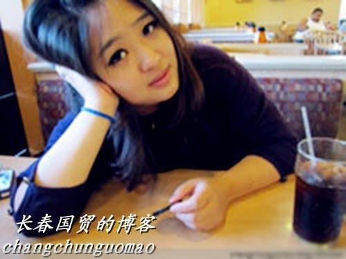 闫妮15岁女儿近照曝光 揭惊为天人美女星二代