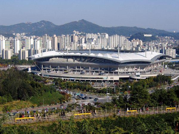 首尔上岩世界杯足球场