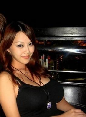 美女性感露胸比美图中国