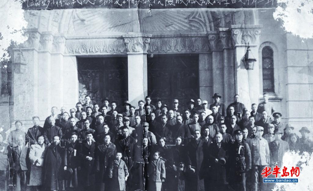 李村劫狱脱险人员于1946年2月17日合影留念。