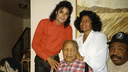 杰克逊与家人
