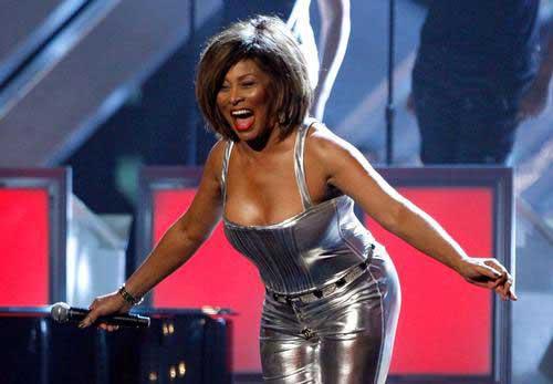 73岁美国老牌歌手蒂娜特纳再婚 瑞士豪宅办婚宴