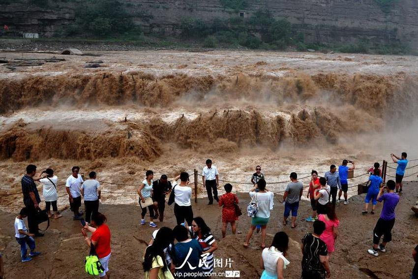 高清组图:气势磅礴的黄河壶口瀑布特大瀑布群