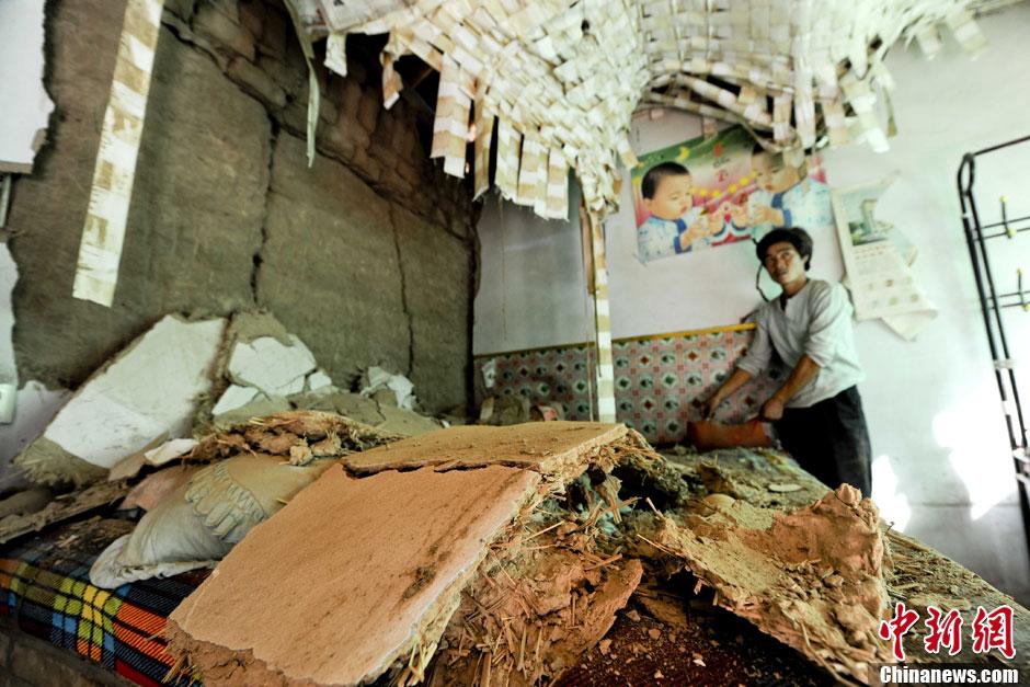 甘肃 定西/7月22日,甘肃省岷县发生6.6级地震。图为当日甘肃岷县永光村的...