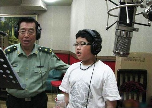 揭夢鴿家庭生活 李雙江58歲得子 夢鴿曾流產(組圖)圖片