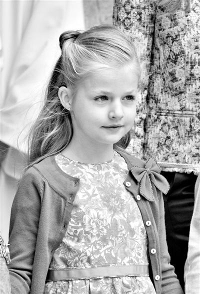 因此莱昂诺尔公主现在是西班牙王室第二顺位继