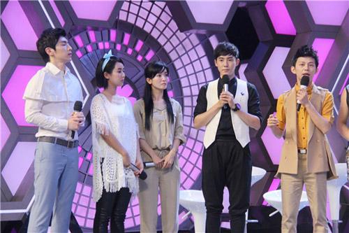 从左到右:邓伦,杨紫,李晟