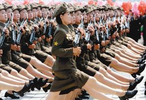 中国阅兵女兵_朝鲜大阅兵庆祝朝鲜战争停战60周年(组图)-搜狐滚动
