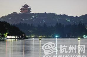 杭州西湖两日游_三潭印月 昨晚被游船撞掉一潭!-搜狐旅游
