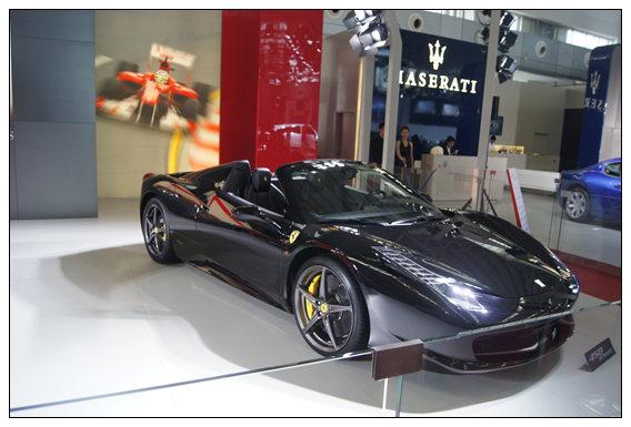 法拉利F12berlinetta亮相1
