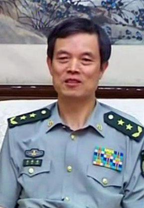 资料图:北京军区政委刘福连。
